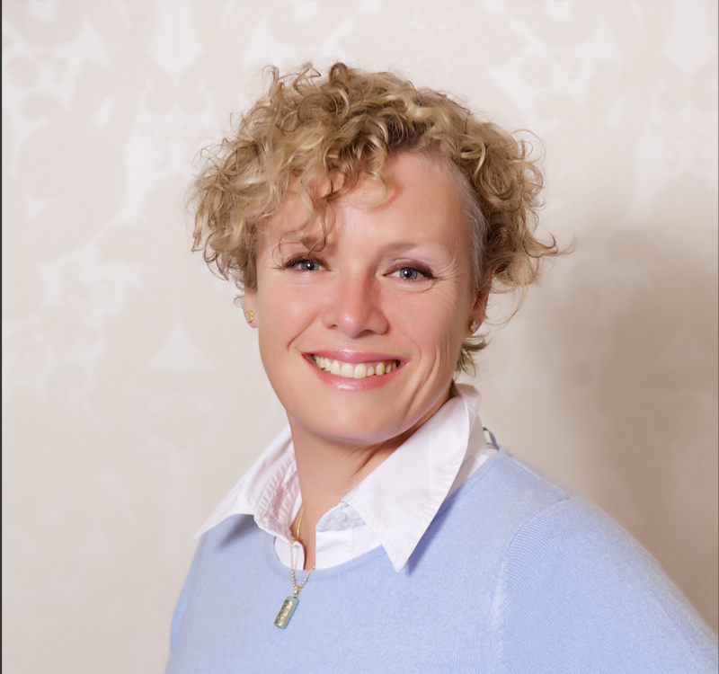 Ms Robin Kerr, O2 Performance & Birtwill Physiotherapy